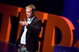 Tijdens een TED Talk over Tweetserenades